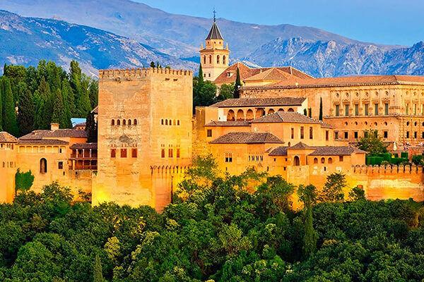 Viaje fin de curso Granada sin monitores